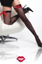 Bas Red Satin Bow : Bas opaques, soulignés d'un adorable noeud en satin rouge éclatant.