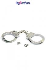 Menottes Diamond handcuffs : Véritable paire de menottes de poignets en métal chromé recouvertes de strass pour des jeux à la fois BDSM et glamour.